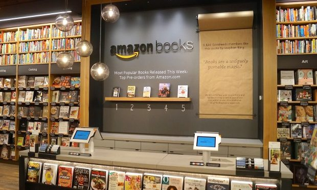 E-Commerce: Amazon mit stationärem Buchhandel
